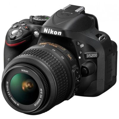 Зеркальный фотоаппарат Nikon D5200 Kit DX 18-55 II [VBA350K002]