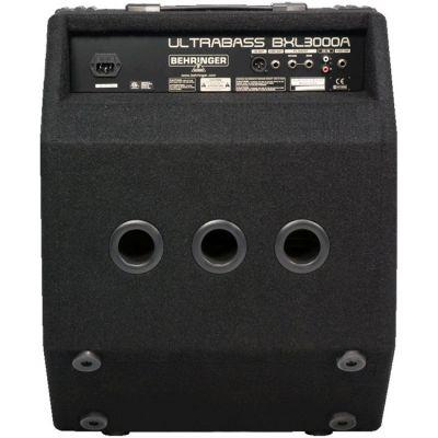 Комбоусилитель Behringer басовый BXL3000A