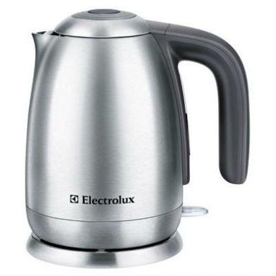 Электрический чайник Electrolux EEWA 7100 (серебристый/черный)