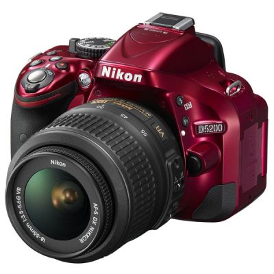 ���������� ����������� Nikon D5200 Kit 18-55 VR II / Red VBA351K006