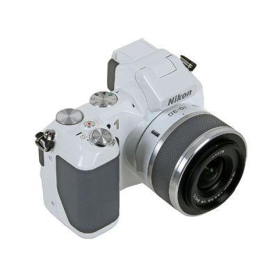 Зеркальный фотоаппарат Nikon 1 V2 White VVA112K001