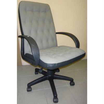 Офисное кресло Почин КР-9 черный матовый/серая перфорация
