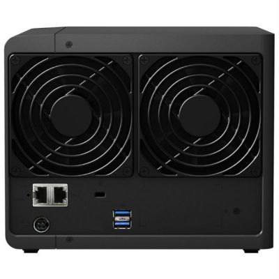 ������� ��������� Synology DS416