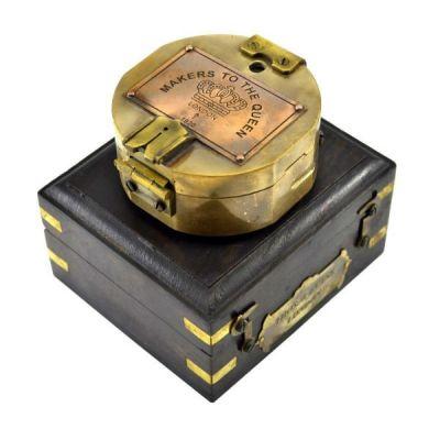 Тетчер Компас Брантона из латуни в подарочной деревянной коробке с латунными декоративными элементами. 11235