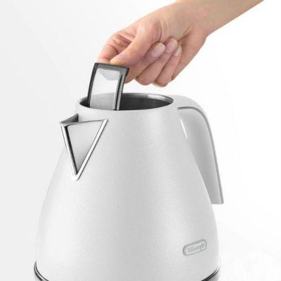 Электрический чайник Delonghi KBOE2001.W белый 0394247