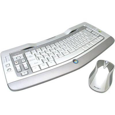 Комплект Microsoft Клавиатура + Мышь Wireless Entertainment Desktop 8000 USB Light Silver 69Y-00014