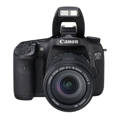���������� ����������� Canon eos 7D Kit EF-S 18-135mm f/3.5-5.6 is (�� Canon) [3814B018]